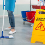 Putzwagen & Reinigungswagen - die Alleskönner im Betrieb